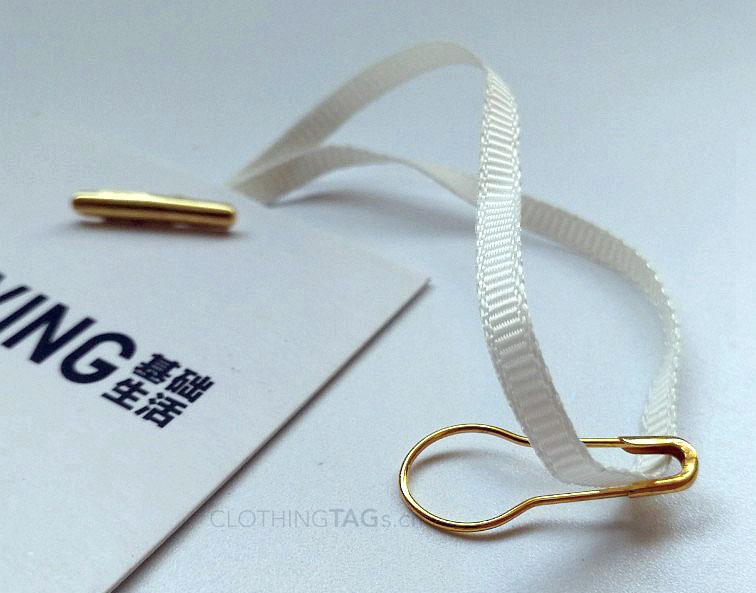 Hang tag string with safety pin 0907